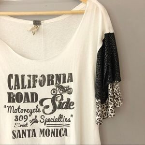 NWT Free People Graphic Oversized Tee. Size XS